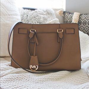 Michael Khors Crossbody Bag